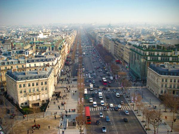 Champs Élysées vista do topo do Arco do Triunfo - Paris - Fui e Vou Voltar - Alessandro Paiva