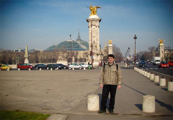 Grand Palais ao fundo, visto da Ponte Alexandre III - Paris - Fui e Vou Voltar - Alessandro Paiva