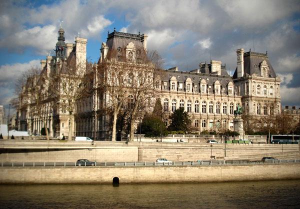 Hôtel de Ville, visto da Île Saint-Louis - Paris - Fui e Vou Voltar - Alessandro Paiva