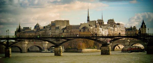Pont des Arts com Île de la Cité ao fundo - Paris - Fui e Vou Voltar - Alessandro Paiva