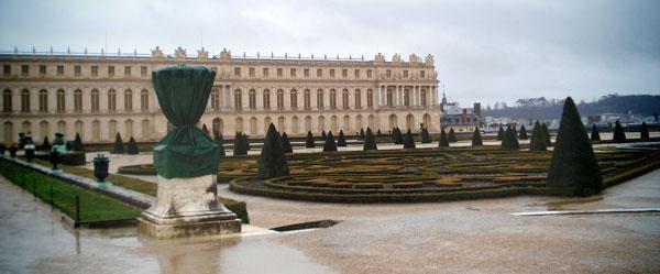 Palácio de Versalhes e um de seus jardins laterais - Paris - Fui e Vou Voltar - Alessandro Paiva