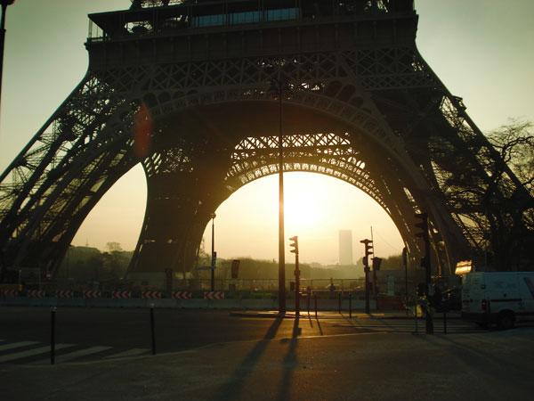 Torre Eiffel pela manhã - Paris - Fui e Vou Voltar - Alessandro Paiva