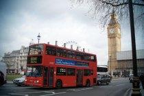 Big Ben e ônibus de dois andares - London - Fui e Vou Voltar - Alessandro Paiva