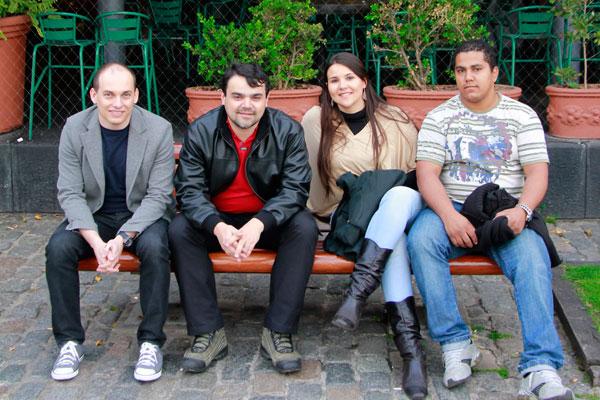 Eu, Élcio, Clarice e Lenir, em Puerto Madero - Buenos Aires - Fui e Vou Voltar - Alessandro Paiva