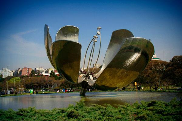 Floralis Genérica, na Plaza de las Naciones Unidas - Buenos Aires - Fui e Vou Voltar - Alessandro Paiva