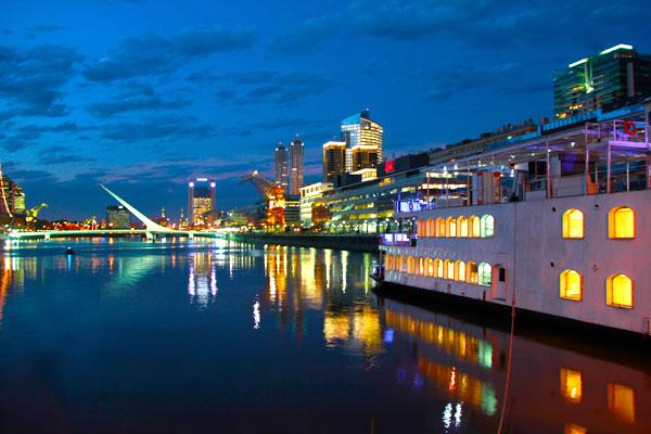 Puerto Madero à noite - Buenos Aires - Fui e Vou Voltar - Alessandro Paiva
