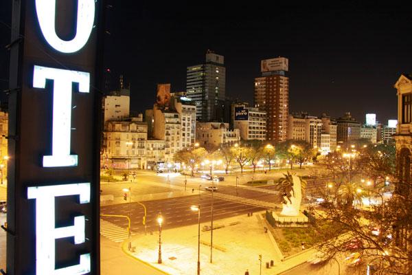 Av. 9 de Julio vista da sacada do hotel Ritz Hostel - Buenos Aires - Fui e Vou Voltar - Alessandro Paiva