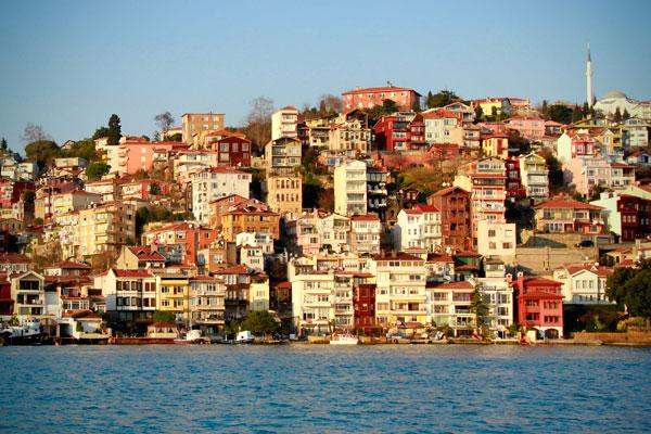 Residências do lado europeu, vistas durante o cruzeiro pelo Bósforo - Istanbul - Fui e Vou Voltar - Alessandro Paiva