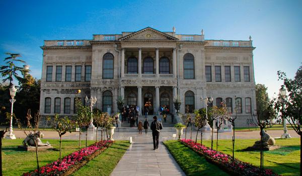 Fachada do Palácio Dolmabahçe - Istanbul - Fui e Vou Voltar - Alessandro Paiva