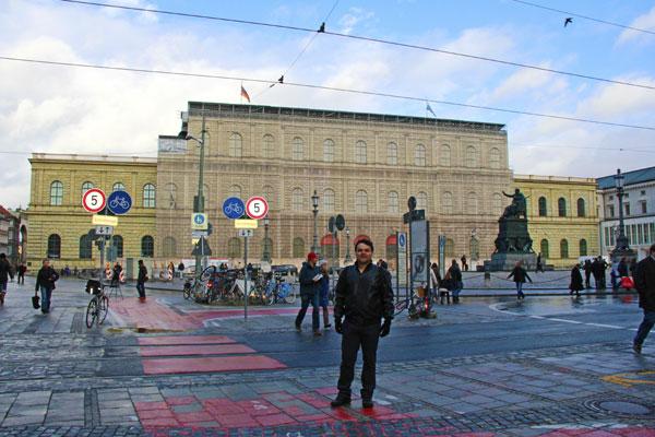 Fachada da Residência de Munique, na Max-Joseph-Platz - München - Fui e Vou Voltar - Alessandro Paiva