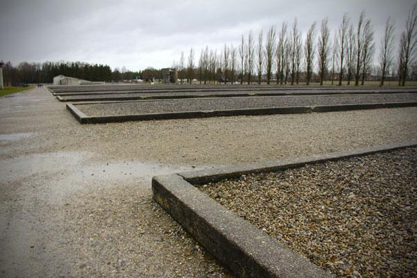 Base dos alojamentos do Campo de Concentração de Dachau - München - Fui e Vou Voltar - Alessandro Paiva