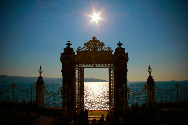 Estreito do Bósforo visto do Dolmabahçe - Istanbul - Fui e Vou Voltar - Alessandro Paiva