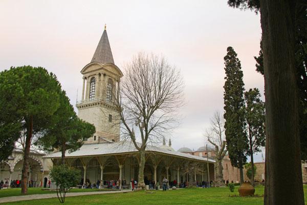 Torre da Justiça e Câmara do Conselho Imperial, no Palácio de Topkapı - Istanbul - Fui e Vou Voltar - Alessandro Paiva
