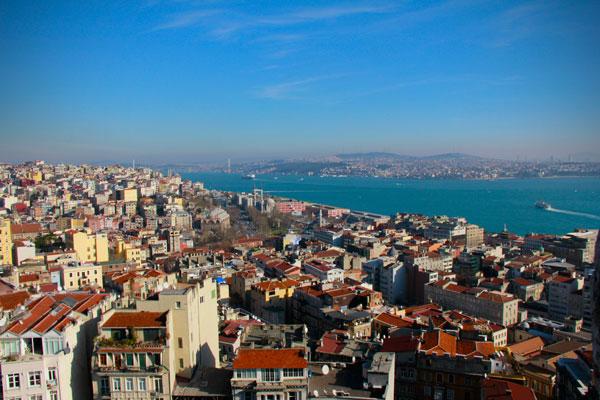 Istambul vista da Torre de Gálata, com o Estreito do Bósforo ao fundo - Istanbul - Fui e Vou Voltar - Alessandro Paiva