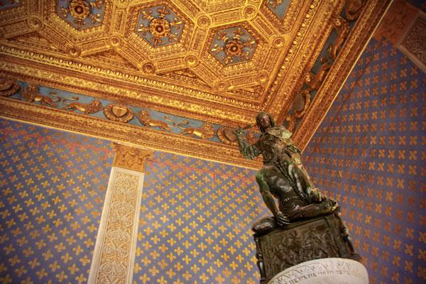 Escultura na Sala dos Lírios, no Palazzo Vecchio - Firenze - Fui e Vou Voltar - Alessandro Paiva