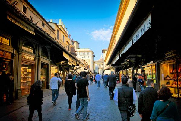 Lojas ao longo da Ponte Vecchio - Firenze - Fui e Vou Voltar - Alessandro Paiva