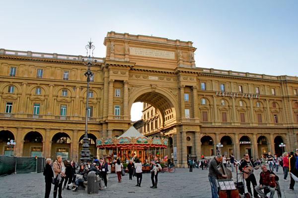 Piazza della Repubblica - Firenze - Fui e Vou Voltar - Alessandro Paiva