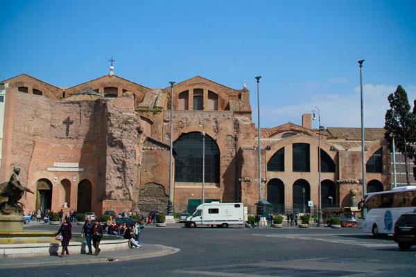 Basílica de Santa Maria degli Angeli e dei Martiri, na Piazza della Repubblica - Roma - Fui e Vou Voltar - Alessandro Paiva