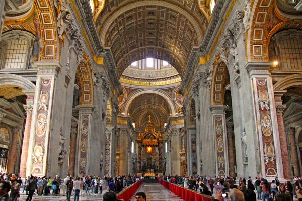 Basílica de São Pedro, no Vaticano - Roma - Fui e Vou Voltar - Alessandro Paiva