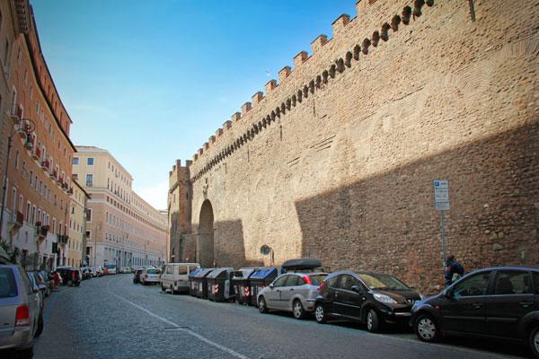 Passetto di Borgo, muralha que liga o Vaticano ao Castelo de Sant'Angelo - Roma - Fui e Vou Voltar - Alessandro Paiva