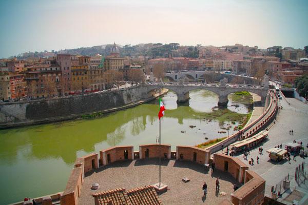 Rio Tibre visto do terraço de Sant'Angelo - Roma - Fui e Vou Voltar - Alessandro Paiva
