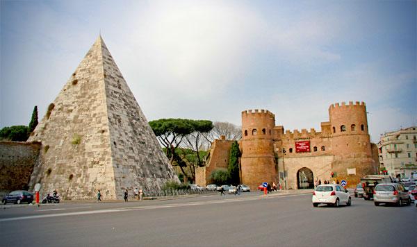 Piramide de Caio Cestio e Porta de São Paulo - Roma - Fui e Vou Voltar - Alessandro Paiva