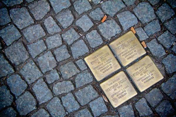 Stolperstein - Berlin - Fui e Vou Voltar - Alessandro Paiva