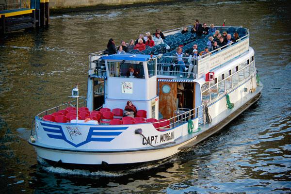 Passeio de barco pelo Rio Spree - Berlin - Fui e Vou Voltar - Alessandro Paiva