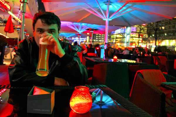 Bar na Fernsehturm - Berlin - Fui e Vou Voltar - Alessandro Paiva