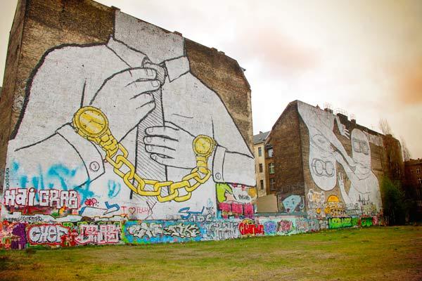Murais de Blu - Berlin - Fui e Vou Voltar - Alessandro Paiva