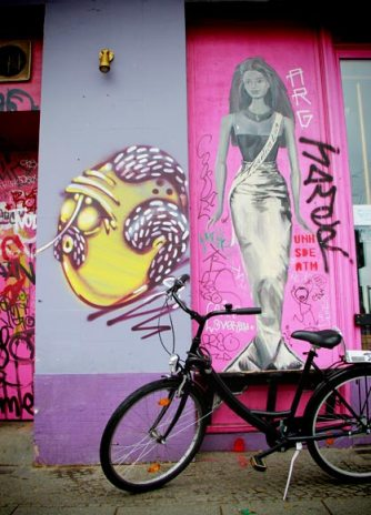 Barbie Deinhoff's - Berlin - Fui e Vou Voltar - Alessandro Paiva