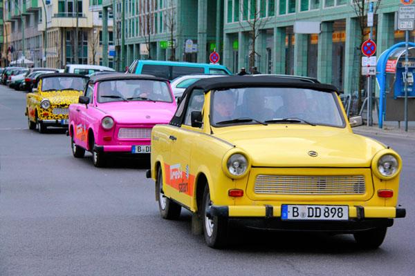 Turistas passeiam no Trabant - Berlin - Fui e Vou Voltar - Alessandro Paiva