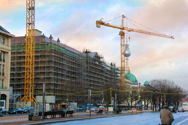 Construção na Unter den Linden - Berlin - Fui e Vou Voltar - Alessandro Paiva
