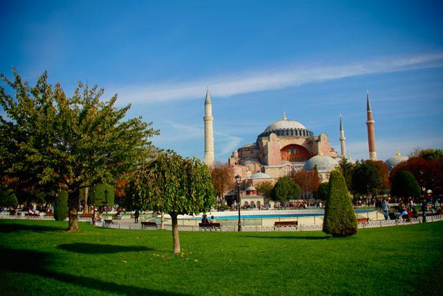 Santa Sofia, também conhecida como Hagia Sophia