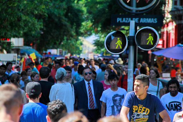 Movimento de pedestres no Paseo Peatonal Ahumada