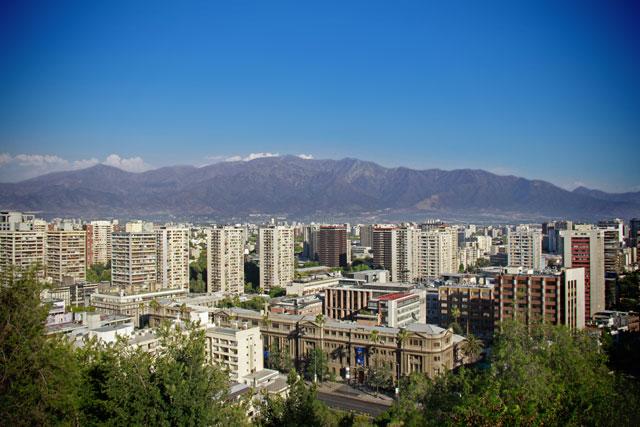 Santiago e a Cordilheira dos Andes, vistos do Cerro Santa Lucía