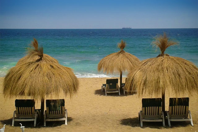 Praia em Reñaca (Foto: Juçara)