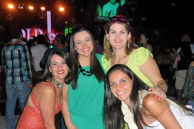 Mocinhas na festa Año Nuevo Club Hipico Revive 2013