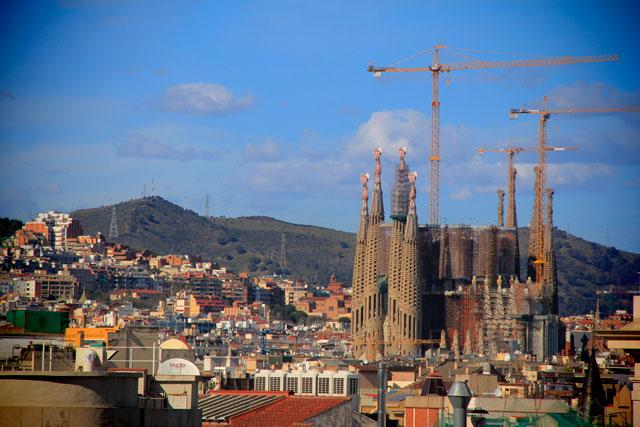 Sagrada Família vista do terraço da Catedral de Barcelona