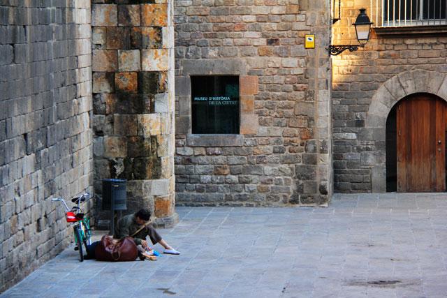 Artista soli†aerio, na Plaça Rei