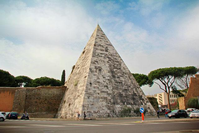 Pirâmide de Caio Cestio