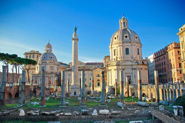 Fórum de Trajano, com destaque para a Coluna de Trajano