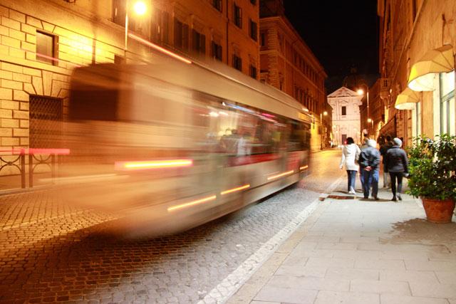 Retornando da Piazza Navona, na Corso del Rinascimento