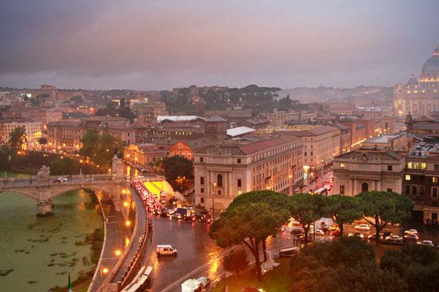 Roma debaixo de chuva, vista do Castelo Sant'Angelo