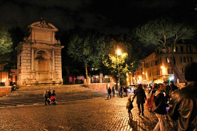 Piazza Trilussa, em Trastevere