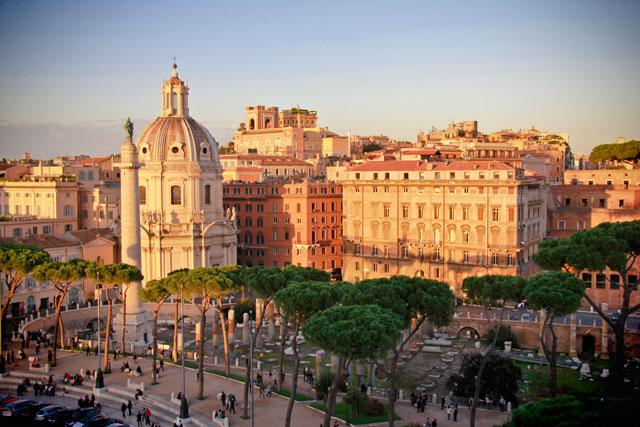 Fórum de Trajano visto de um dos terraços do monumento em homenagem a Vittorio Emanuele II