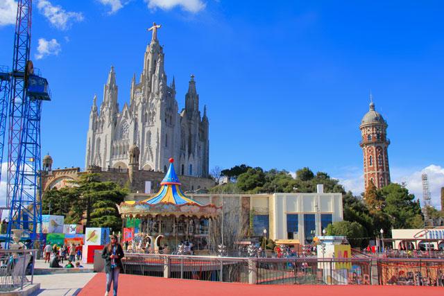 Tibidabo, com destaque para o templo do Sagrat Cor