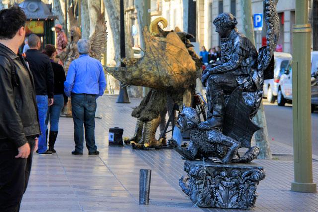 Estátuas humanas na Rambla de Barcelona