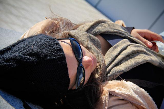 Breve descanso de frente para a Torre Agbar