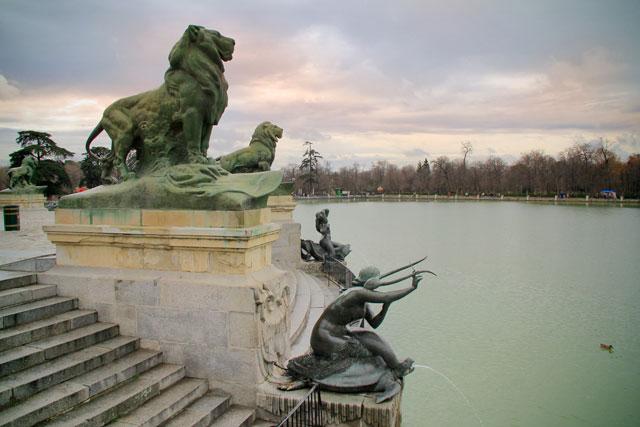 Lagoa vista do Monumento a Afonso XII